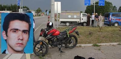 Ekmek Servisi İle Motosiklet Çarpıştı; 1 Ölü