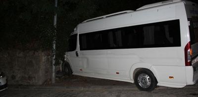 Freni Patlayan Minibüs Duvara Çarptı 15 Yaralı