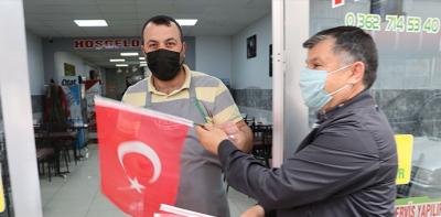 Havza Belediyesi 25 Mayıs'a Özel Bayrak Dağıttı