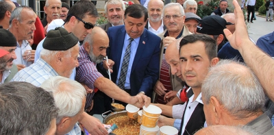 Havza Belediyesi Aşure Dağıttı