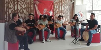 Havza Gençlik Merkezi Yaz Tatilindeki Kurslarını Sahneleyerek Bitirdi