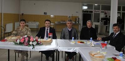 Havza Kaymakamlığından Muhtarlara Yemekli Toplantı