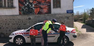Havza'da Jandarmadan Sürpriz 23 Nisan Kutlaması
