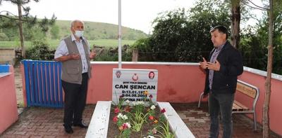 Havza'da Şehit Mezarlarına Çevre Düzenlemesi Devam Ediyor