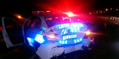 Havza'da Tır Polis Aracına Çarptı, 2 Polis Yaralı