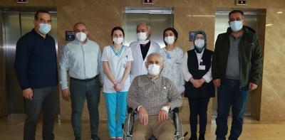 Havza'lı Emekli Öğretmen Koronavirüsü Yendi