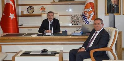 Kemal Zeybek'ten,Sebahattin Özdemir'e Ziyaret