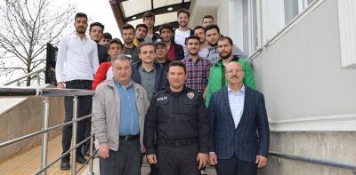 KYK'lı erkek öğrencilerden Havza Emniyet Müdürlüğüne ziyaret