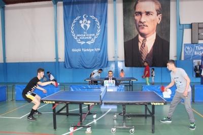 Masa Tenisi Halk Turnuvası Yapıldı