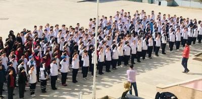 Öğrenciler Asker Selamı Vererek Ders Başı Yaptı