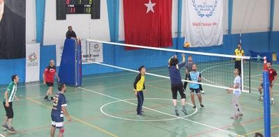 Öğretmenler Günü Voleybol Turnuvası başladı