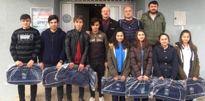 Okul Sporlarında Dereceye Giren Öğrencilerden Ziyaret
