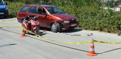 Otomobil ile elektrikli bisiklet çarpıştı 1 yaralı
