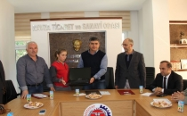 Türkiye 1. Öykünün Sahibine Laptop Hediye Edildi