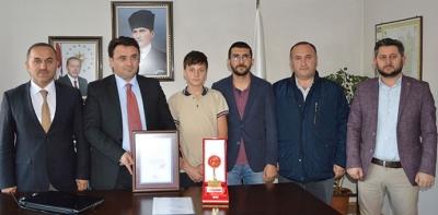Türkiye Birincisinden Kaymakam Yılmaz'a Ziyaret