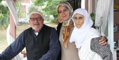 Vali Eşinden Havza'da Şehit Ailelerine Vefa Ziyareti