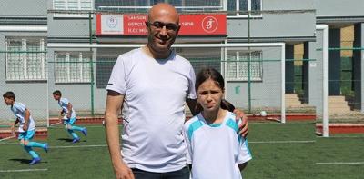 Yaz Futbol Okulunun Tek Kız Öğrencisinin Hedefi Milli Takım