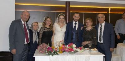 Zengin Ailesinin Mutlu Günü
